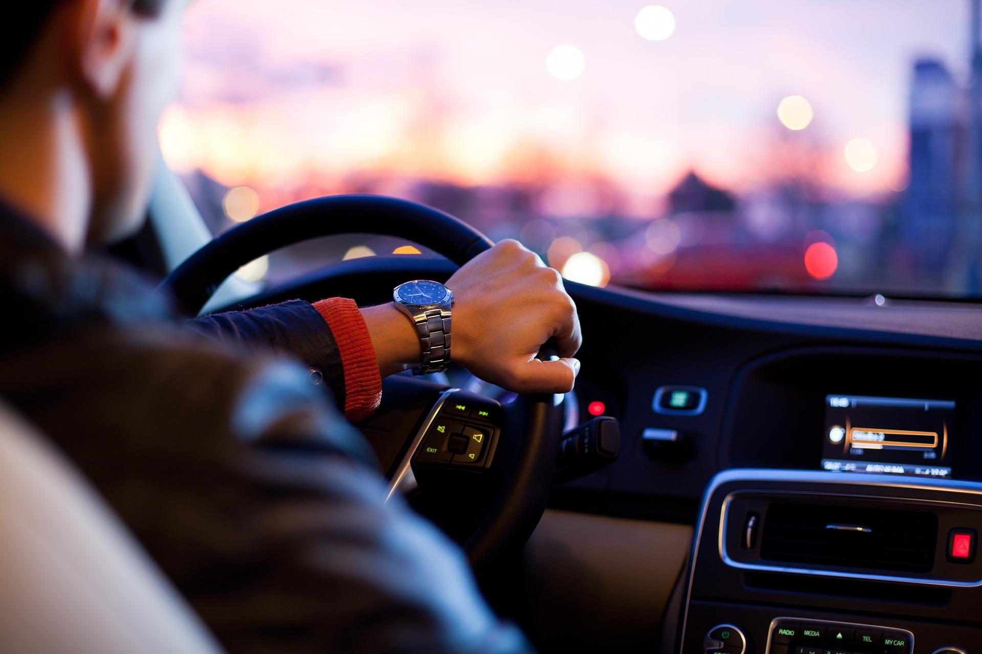 Hyundai y WayRay navegación en realidad aumentada 1