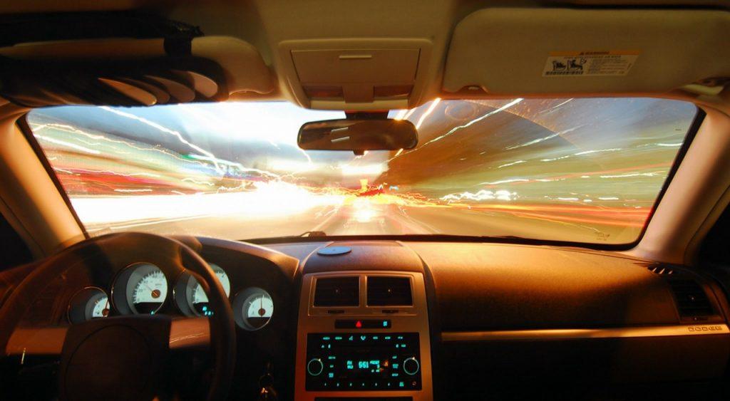 Hyundai y WayRay navegación en realidad aumentada 2