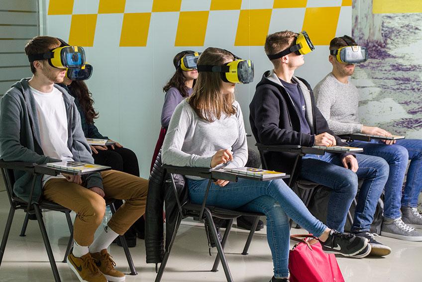 clases para aprender a conducir con realidad virtual
